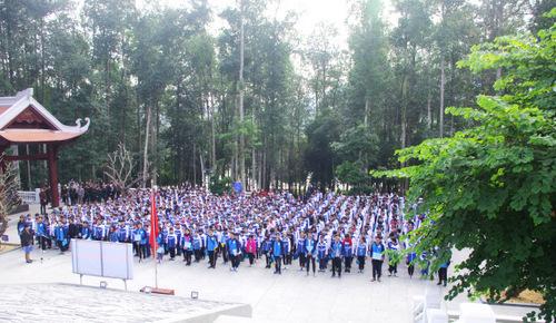 http://nguyenthienthuat.edu.vn/data/new.30/truong_nguyen_thien_thuat_2.jpg
